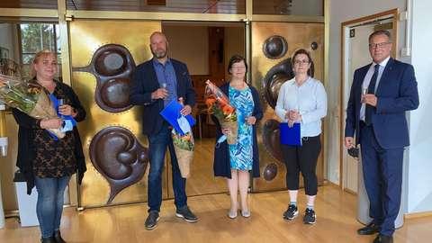 TASSU-palkinnon saaneet Shell HelmiSimpukka Vallikallion ravintolapäällikkö Pia Parviainen, K-market Kilon kauppias Kimmo Relander, neuvolatoiminnan päällikkö Arja Erma, terveydenhoitaja Stina Venho ja kaupunginjohtaja Jukka Mäkelä.