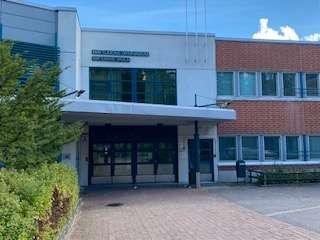 Mattlidens skola huvudingång