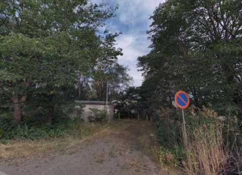 kadulta kuva metsän välistä pumppaamolle